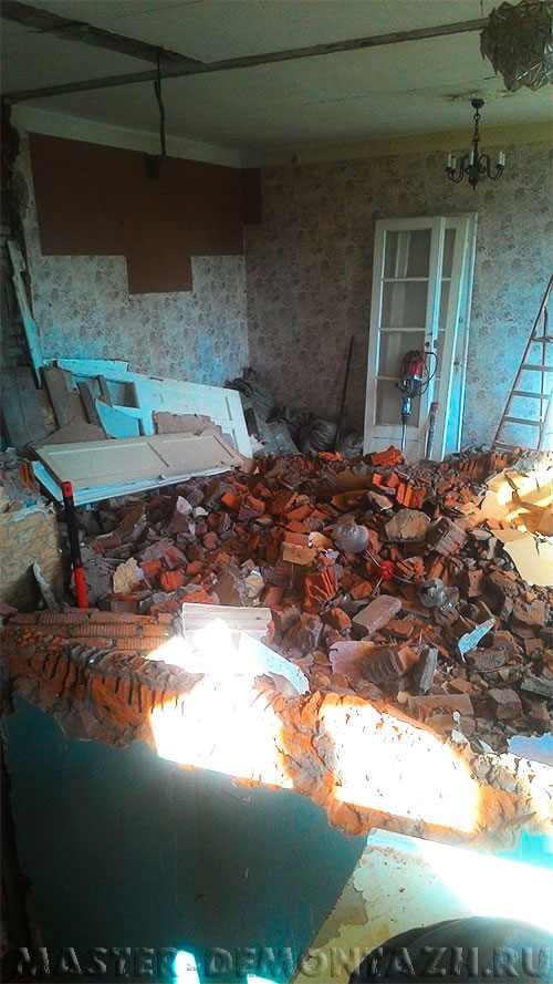 Demontazh kirpichnyh sten P 20160802 170941